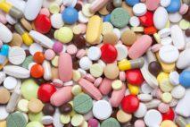 Какие таблетки стоит выбрать для лечения герпеса на губах?