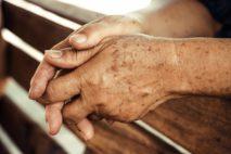 Причины и лечение пигментных пятен на руках после 50 лет