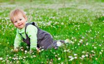 Почему на лице у ребенка могут появляться красные пятна?