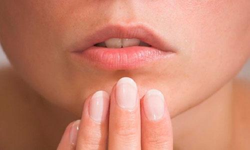 Герпес — вирусное заболевание, характеризующееся высыпанием пузырьков на коже или слизистых оболочках человека