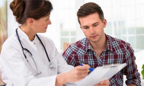 Диагностируется герпес по итогам медицинского осмотра и информации, полученной от пациента
